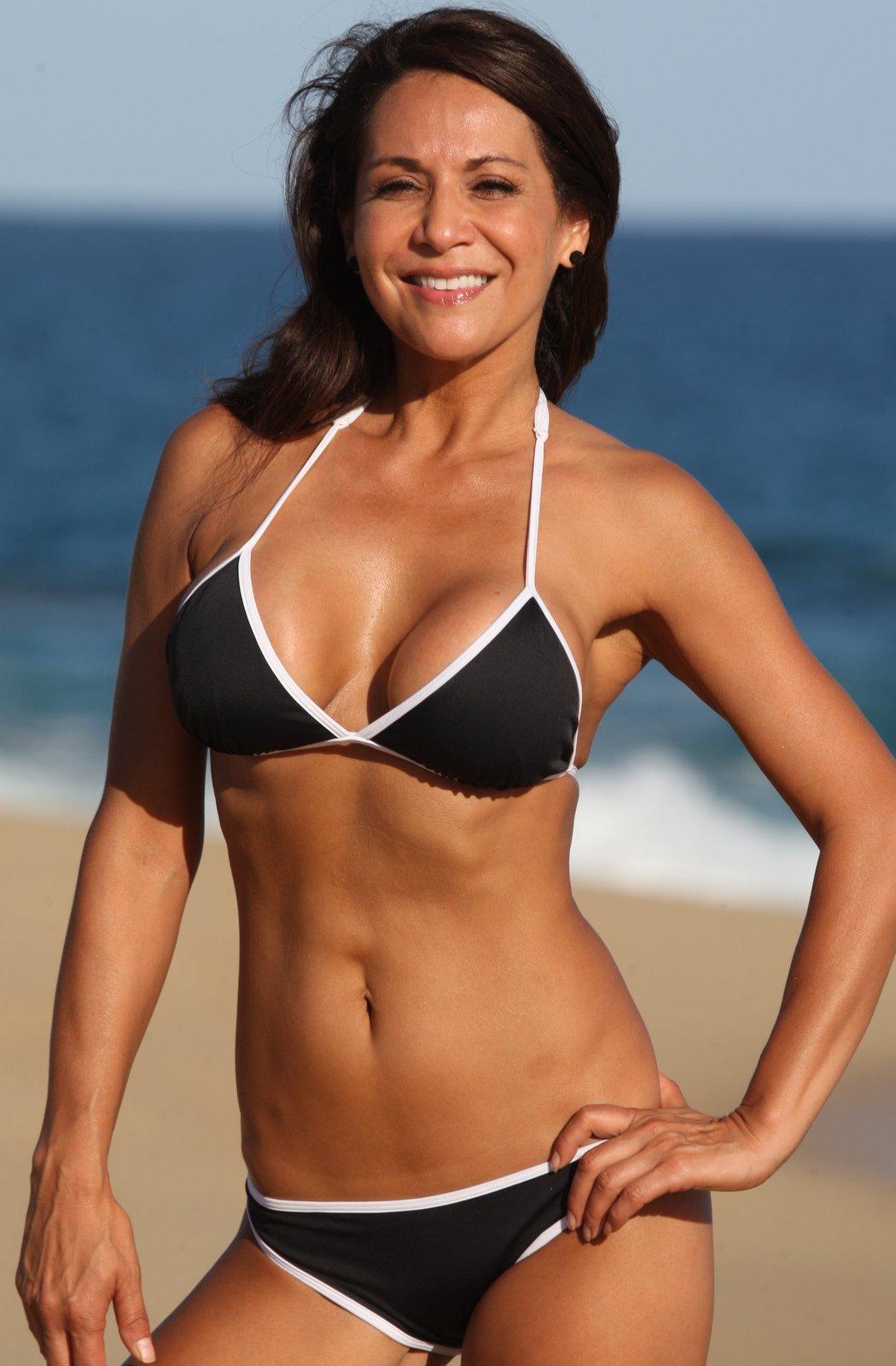 658ed6d7c05 Bikini News Daily - Rhian Sugden continues honeymoon in Sardinia