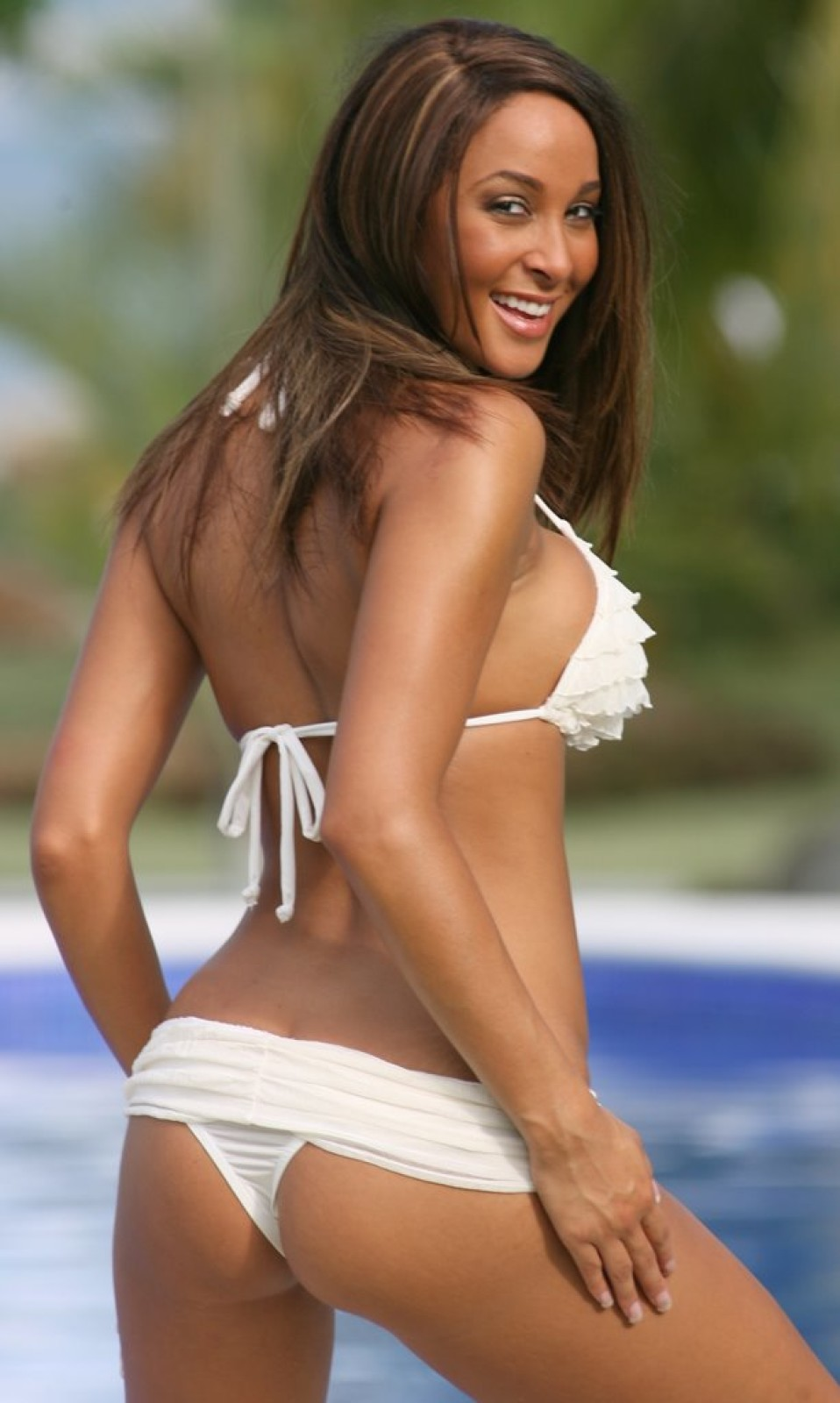 Romantic Ruffled Banded Thong Bikini