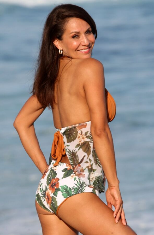 Easee Fit Open Back Tankini