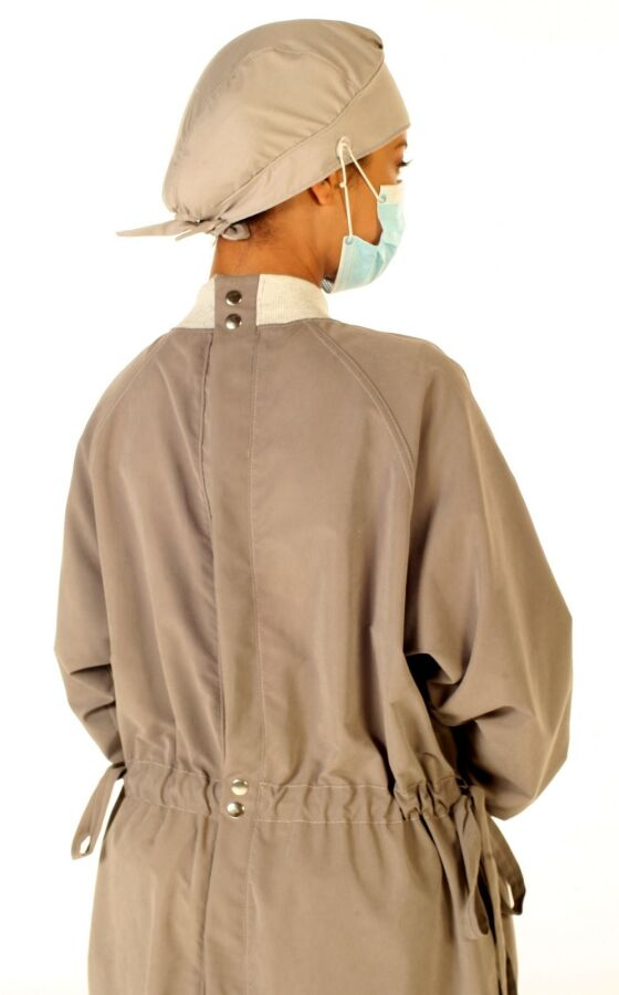 Ultra Isolation Gown with Pockets Per 12